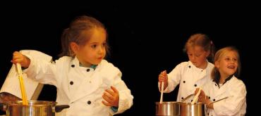 In hetKicking Horse Cafe bij Paagman vindt regelmatig het Kinderkookcaféplaats. Kinderen vanaf 5 jaarleren koken.