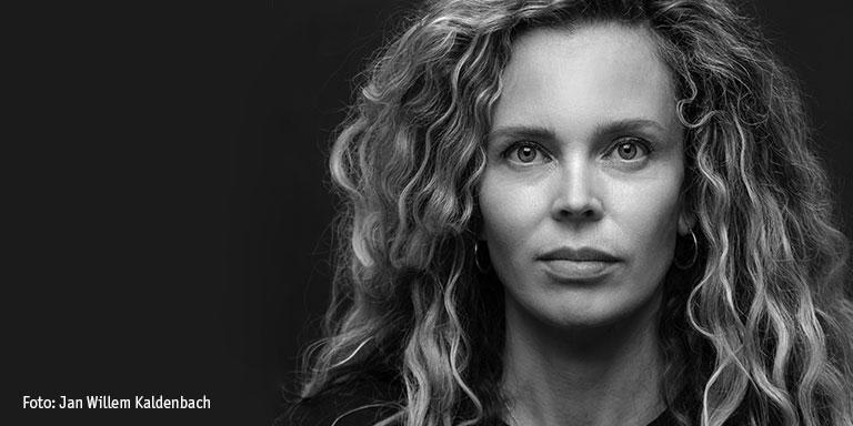 24 november - Roxane van Iperen